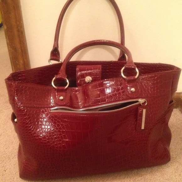Nine West Bags - 💟SALE💟Red faux croc Nine West tote