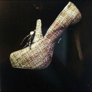 Vera Wang Shoes - 👠Vera Wang Reduced REDUCED👠👠👠👡👡