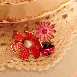 Betsey Johnson cluster ring