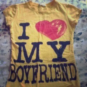 """Tops - Yellow shirt """"I Love My Boyfriend"""""""