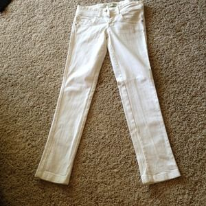 White denim skinny jeans from Spain