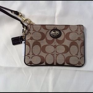Coach Clutches & Wallets - New with tag coach wristlet signature sutton