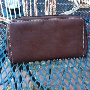 Simple brown zipper wallet