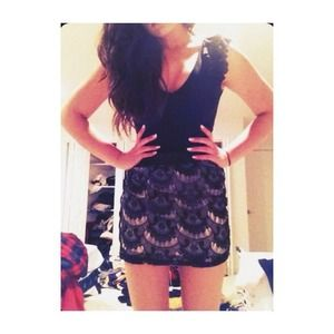Black and cream scalloped lace skirt