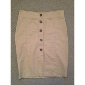 💛ONE HR SALE💛Zara Skirt in beige OR white!!!!!