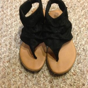Shoes - ❌❌reduced❌❌Girls sandal  size 13