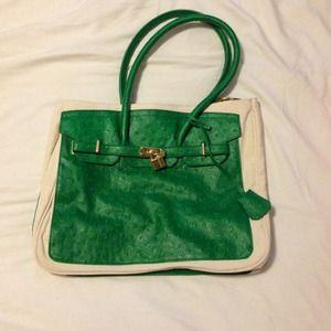 "Shoedazzle ""Lyon"" bag in green"