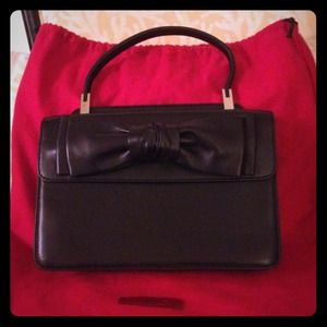 Consignment: Authentic Valentino Garavani Handbag