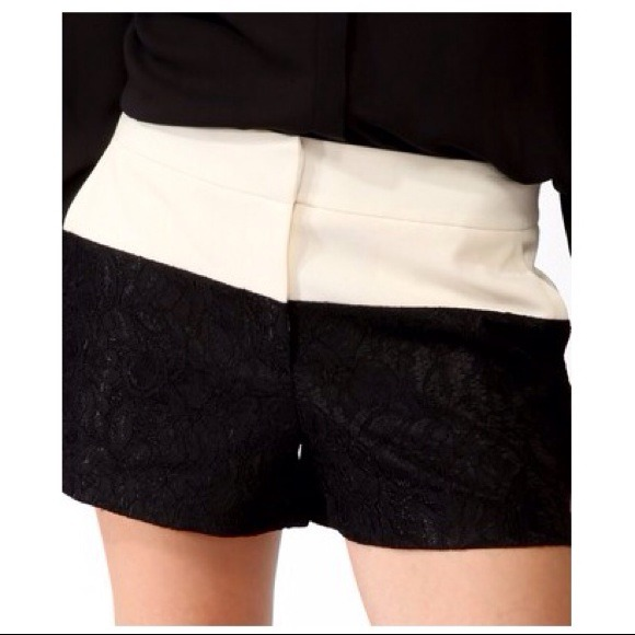 Forever 21 Shorts - 🚫SOLD🚫CONTRAST LACE SHORTS- FOREVER21