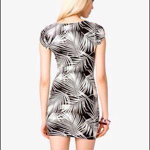 Forever 21 Dresses - 🚫SOLD🚫TROPICAL BODYCON DRESS-FOREVER21