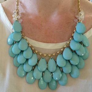 Double teardrop necklace in blue