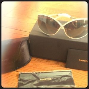 New, authentic, never worn, Tom Ford sunglasses!