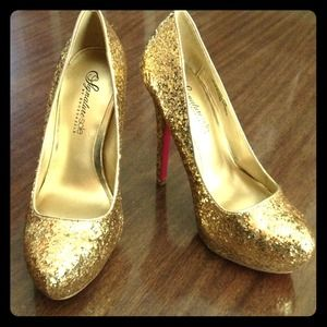 Shoedazzle Shoes - 💠HOST PICK💠 Gold glitter heels