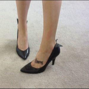 Jessica Simpson Shoes - Jessica Simpson Black Pumps Heels