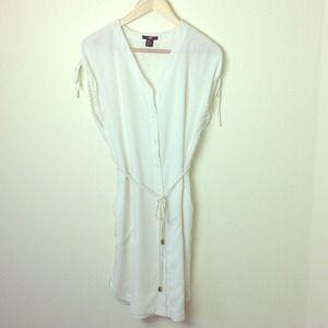 H&M Dresses & Skirts - WHITE SUMMER DRESS