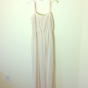 Forever 21 Dresses & Skirts - NUDE MAXI DRESS