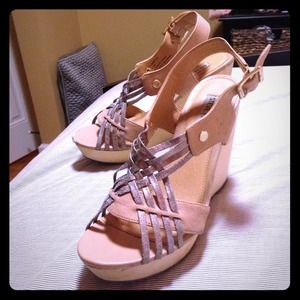 Steve Madden metallic wedges