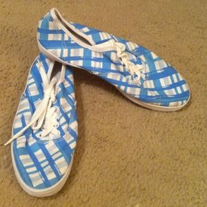 Light Blue White Cross Hatch Tennis Shoes