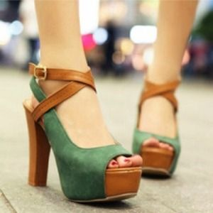 Shoes - □□□SOLD□□□ Color block thick heel shoes
