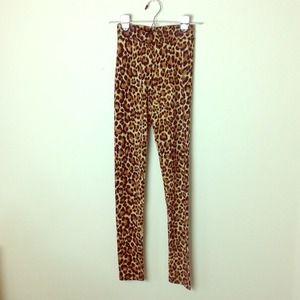 H&M Pants - Leopard print leggings