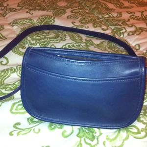 Vintage coach small leather bag, navy blue!