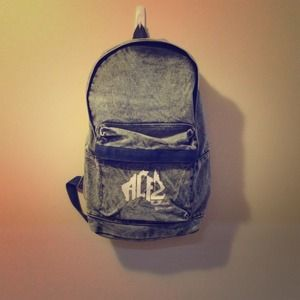 Trendy stoned-washed back pack