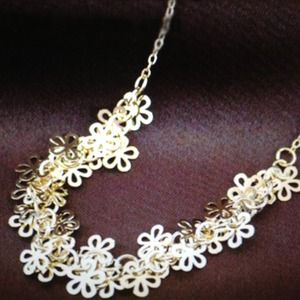 Jewelry - Gold Floral Cluster Statement Choker Necklace