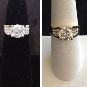 Jewelry - NEW Faux Solitaire & Paves Cocktail Ring