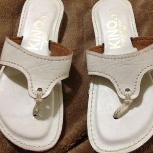 Shoes - White kino sandals