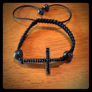 Jewelry - Black cross shamballa