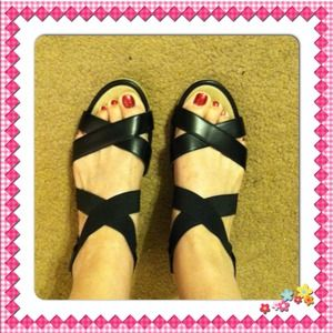 Cute strappy Merona wedges. Size 8 1/2M