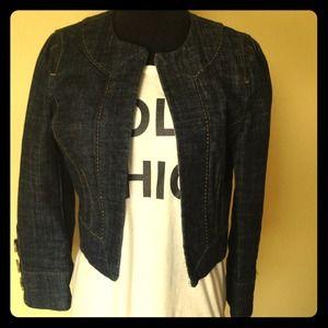 Cute cropped denim jacket!