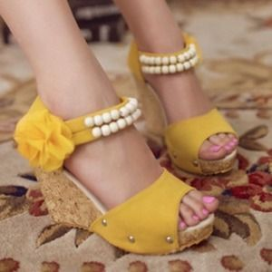 Shoes - *SOLD* Pearls and flower wedges