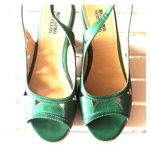 Shoes - 🚫BUNDLED🚫Kelly Green Cork Wedge Sz 8