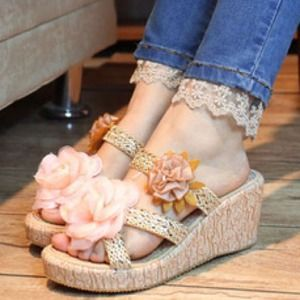 Shoes - ¤¤ SOLD ¤¤ Flower wedes