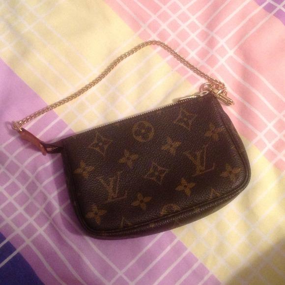 Louis Vuitton Authentic With Code Louis Vuitton Coin