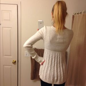 edaa46d3190e Hollister Sweaters