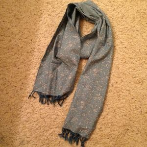 CHAMBRAY FLORAL FRINGE SCARF