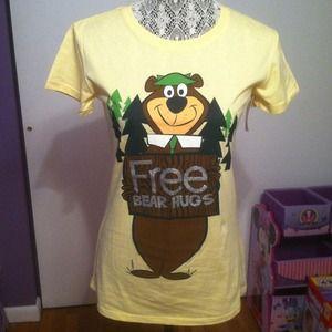 Tops - Yogi bear tshirt