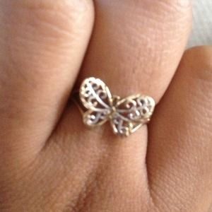 Beautiful butterfly 10k ring.