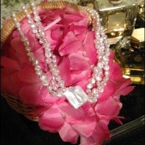 Jewelry - GENUINE🌾Baroque Pearl, Keshi Pearl Center🌾