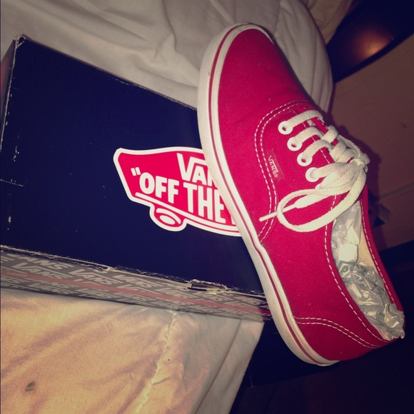 e2e20b7664f Got my Vans on but they look like sneakers 😵😶