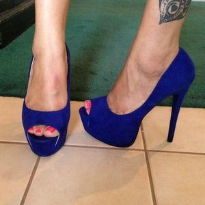 🔆reduced!!!🔆Royal blue 6 in heels
