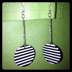 Jewelry - ☃ Black and white striped earrings.