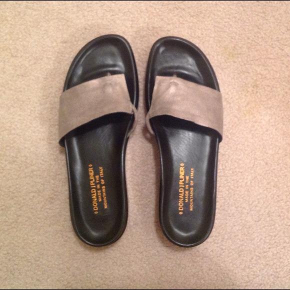 dabe40208b6f Donald Pliner Shoes - Donald Pliner Sandal