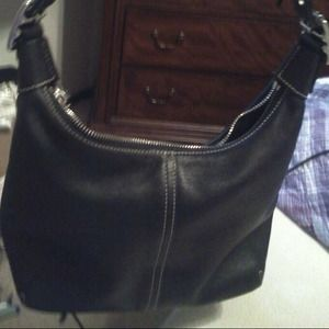AUTHENTIC COACH LEATHER HOBO/SHOULDER DUFFLE BAG