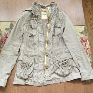 Cargo jacket with hood