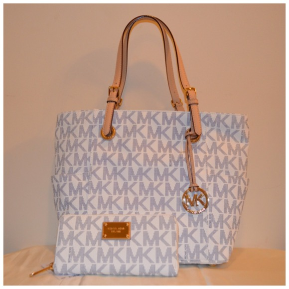 6de479615c5b MICHAEL Michael Kors Bags | Mk Jet Set Signature Blue White Set ...