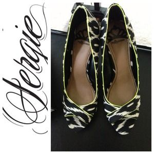 Fergalicious Shoes by Fergie Sz 7.5 Brand New