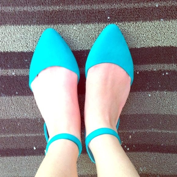 Shoes - Greenish blue suede pointy flat